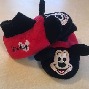 Toddler Mickey Mouse slippers